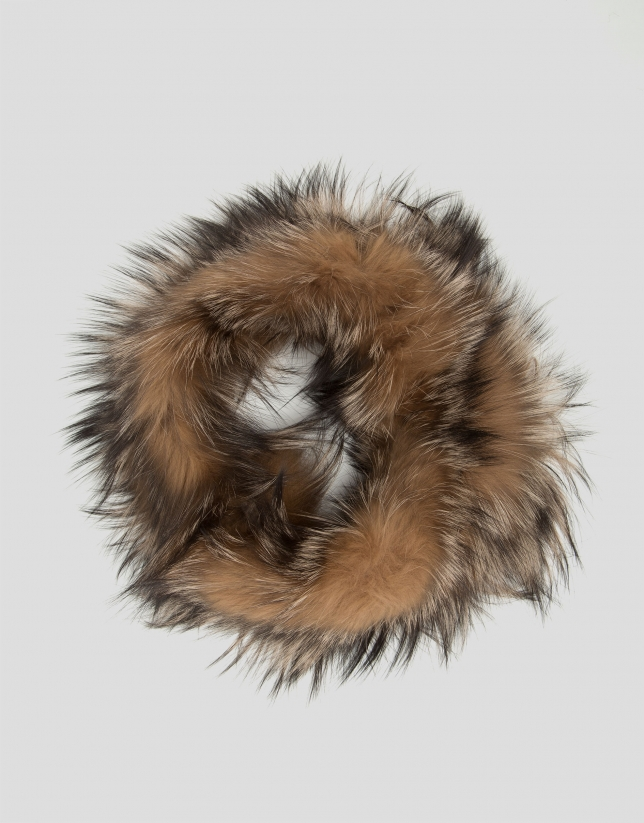 Beige fur tubular scarf with feathers