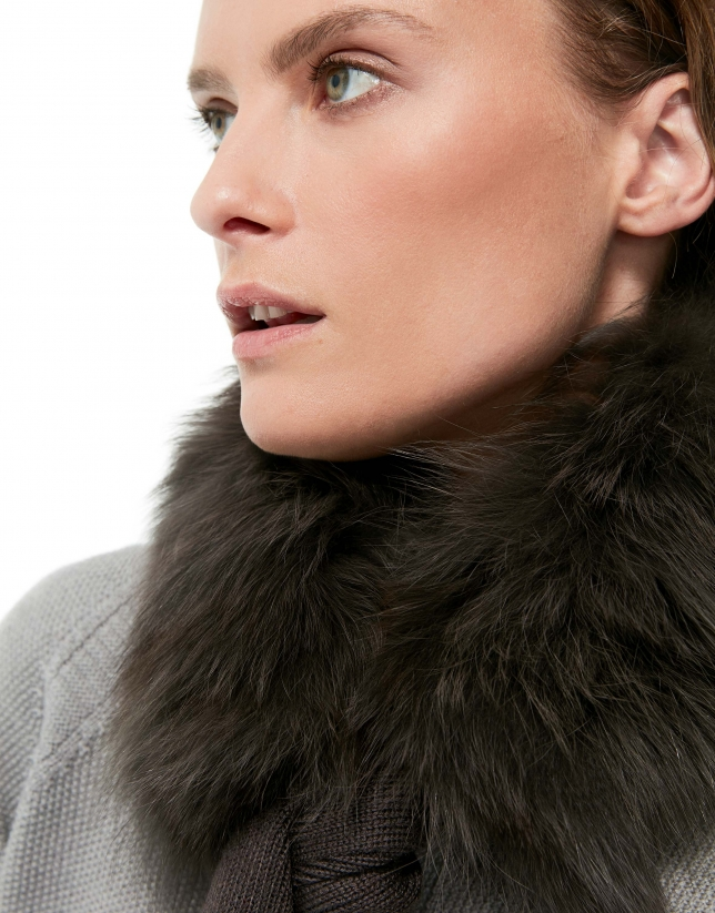 Gray wool and fur scarf