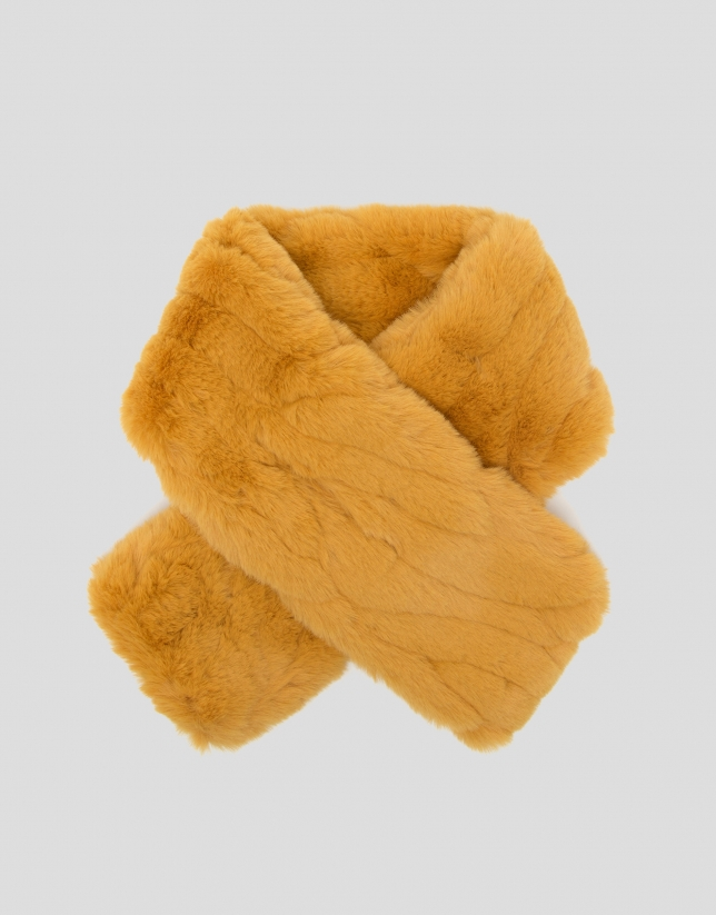 Mustard fur-effect collar