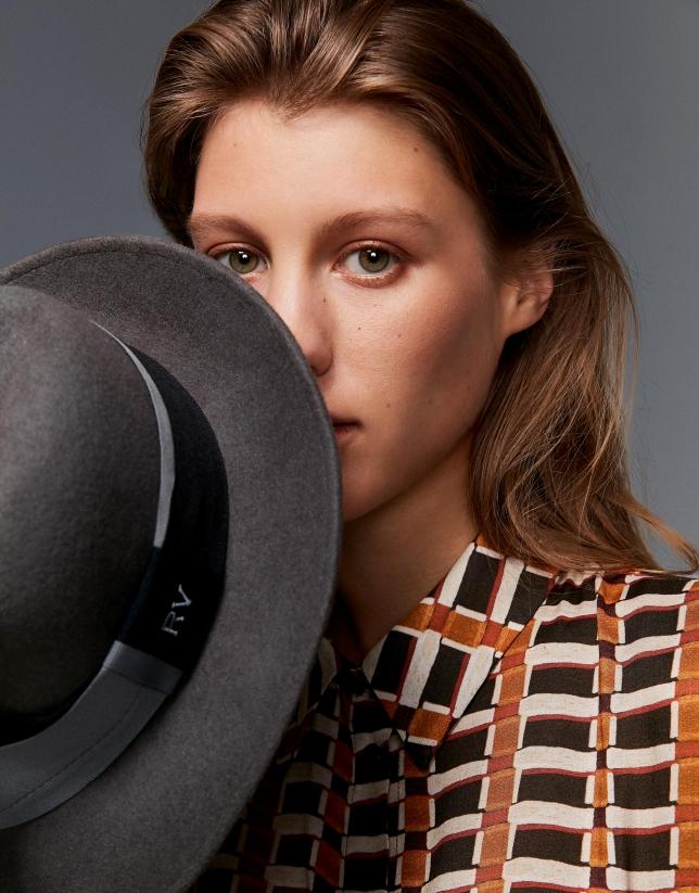 Sombrero fieltro gris cinta bicolor