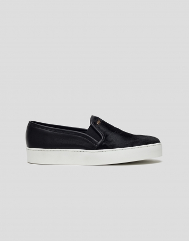 Black foal air slip-ons