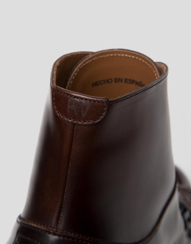 Bottines en cuir marron style montagne