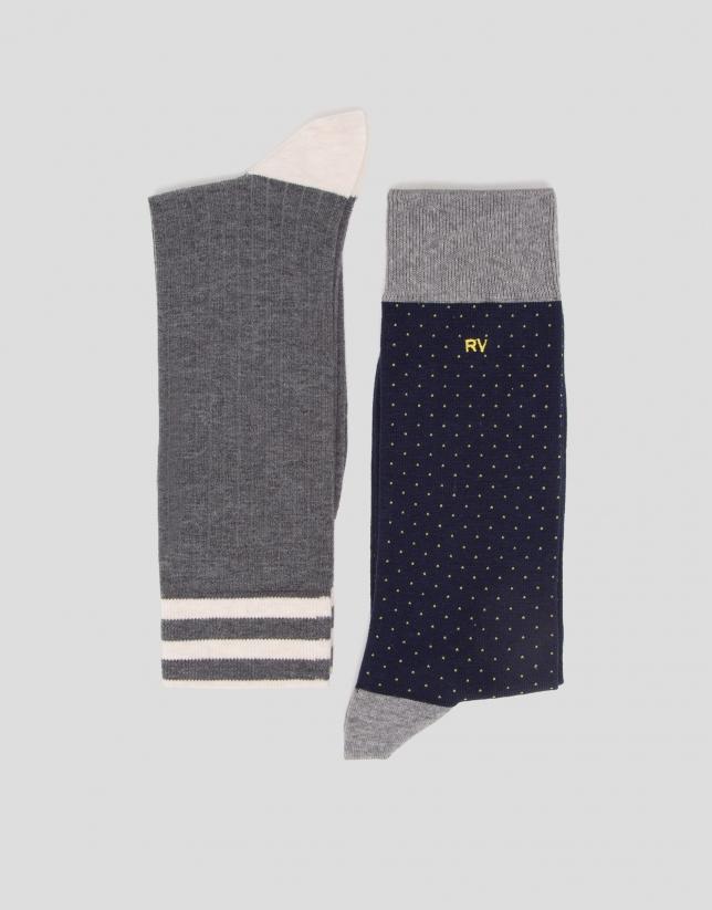 Lot de chaussettes côtelées en gris/bleu avec des pois jaunes