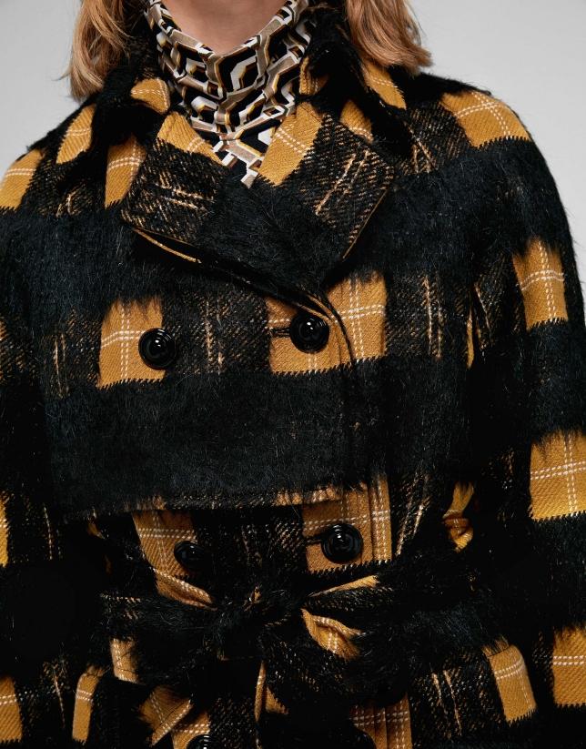 Abrigo largo negro cuadros