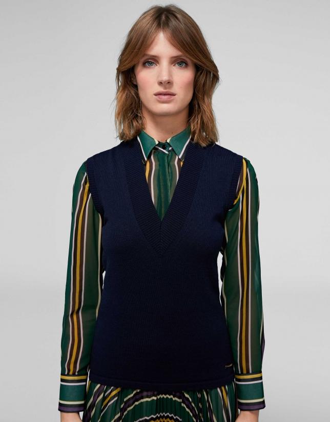 Navy blue kinit vest