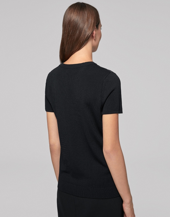 Camiseta punto negra estampado floral