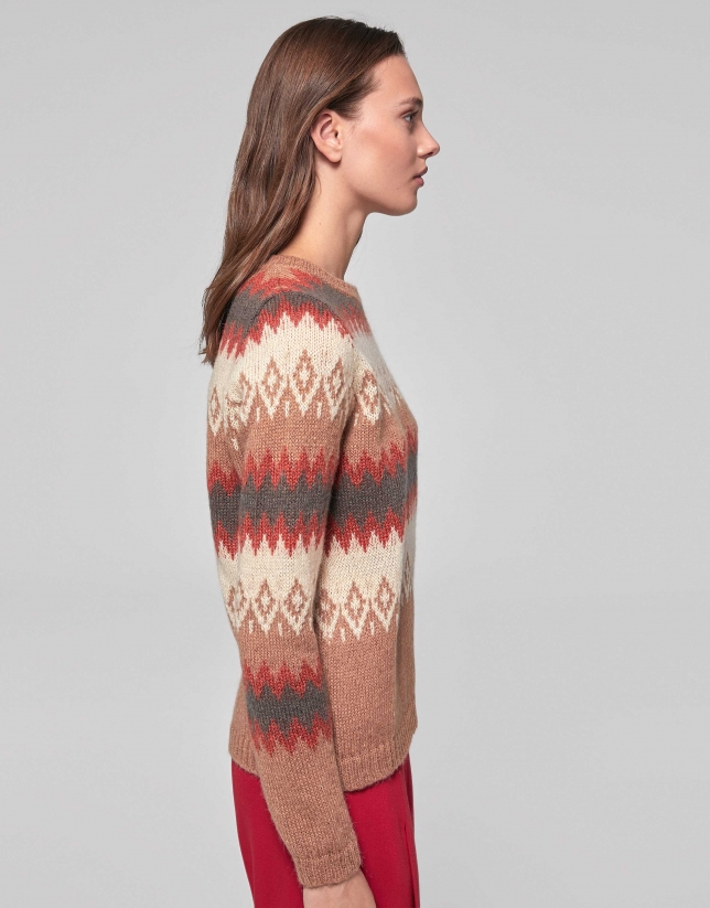 Mink-colored sweater with design