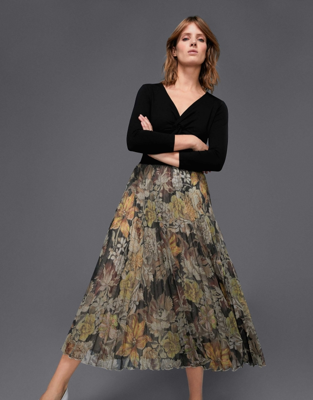 Beige wave print  print, long pleated skirt