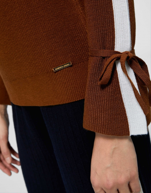 Hazel sweater with bell-shaped sleeves