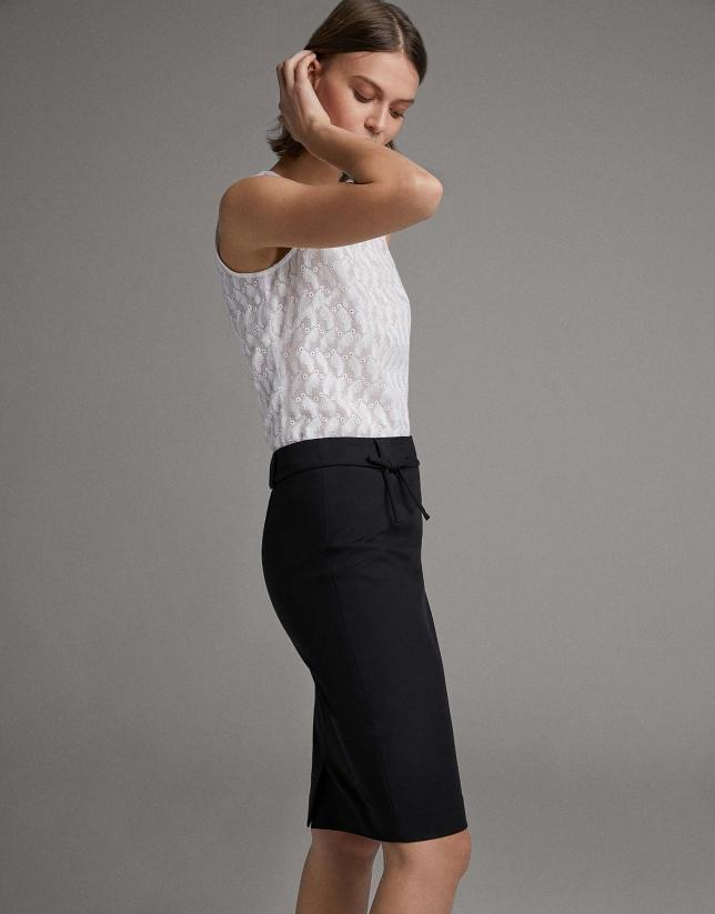 Black midi skirt with bow at waist