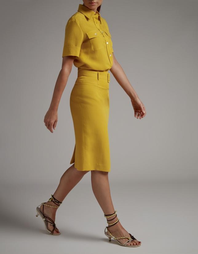 Falda midi oro con cinturón
