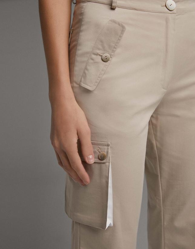 Pantalón cargo vainilla