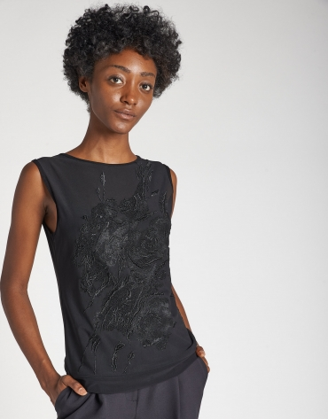 Decorative black top