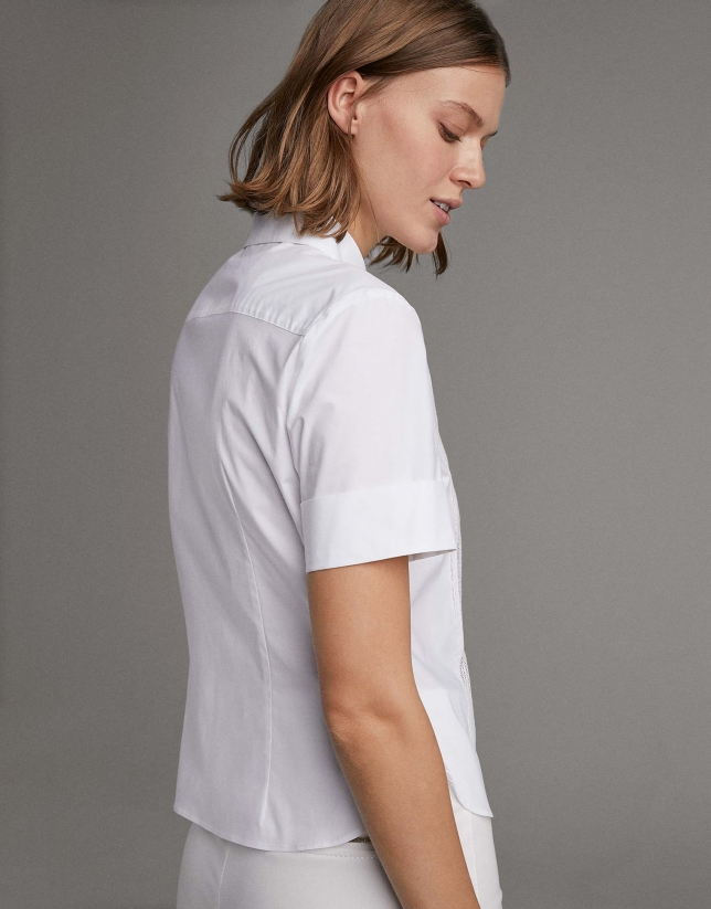 Camisa manga corta blanca con cinta encaje