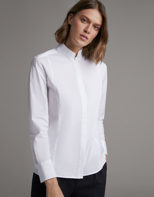 White shirt with Mao collar and front folds
