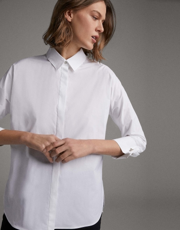 Beige shirt with bat sleeves