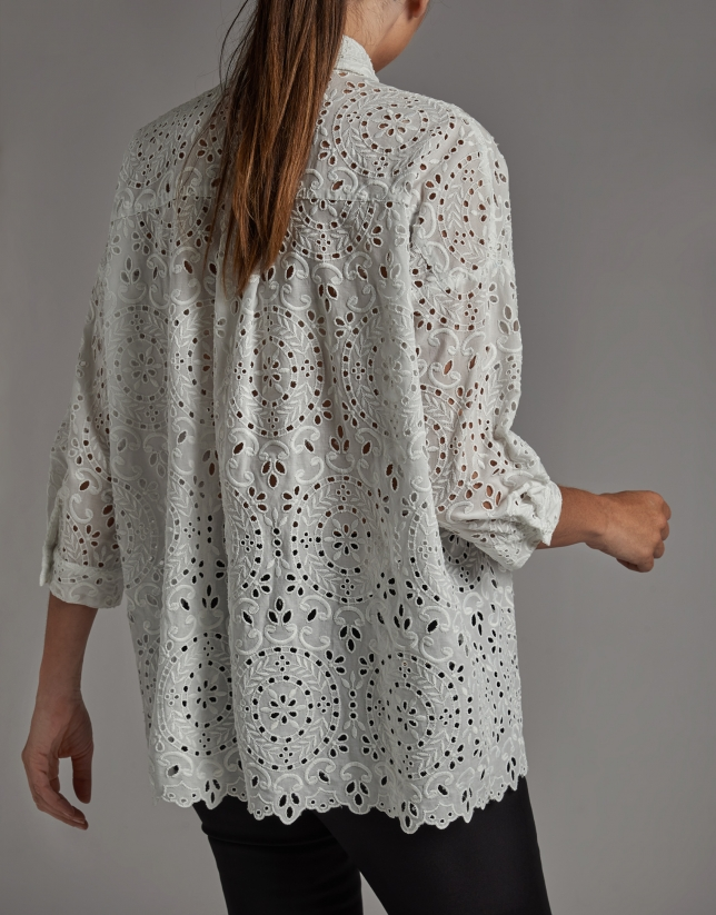 Camisa oversize bordado inglés blanca