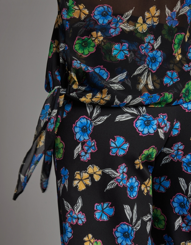Camisa asimétrica negra estampada flores