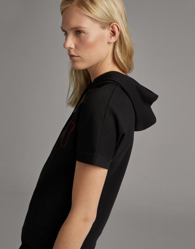 Sudadera manga corta negra con capucha