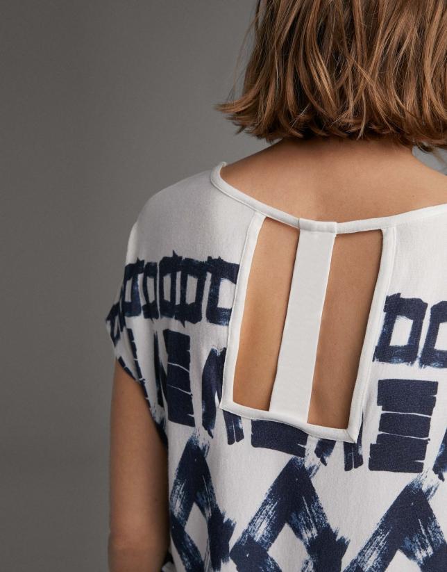 Camiseta estampado geométrico azul