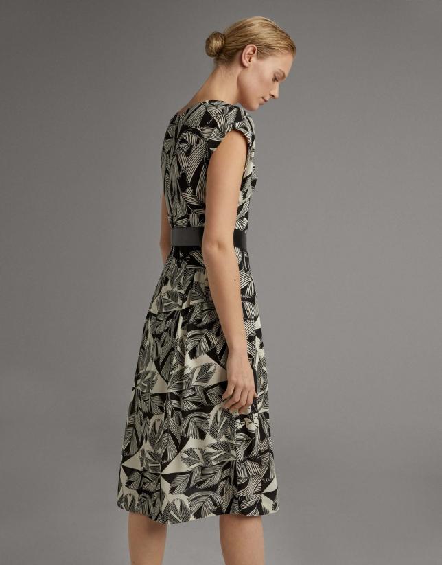 Vestido midi fluido estampado floral negro