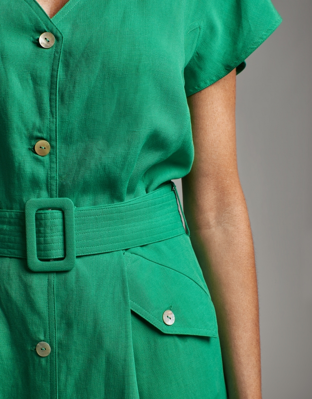 Vestido midi tipo camisero verde