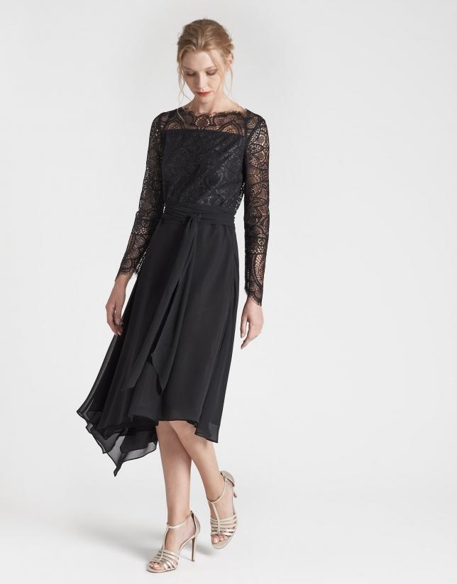 Vestido midi fluido negro manga larga