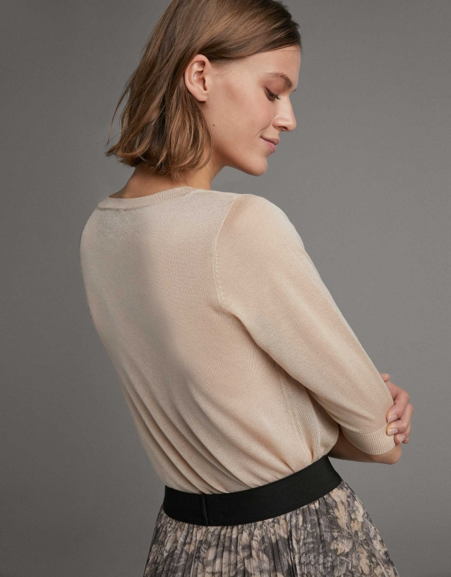 Beige fine knit jacket with elbow-length sleeves