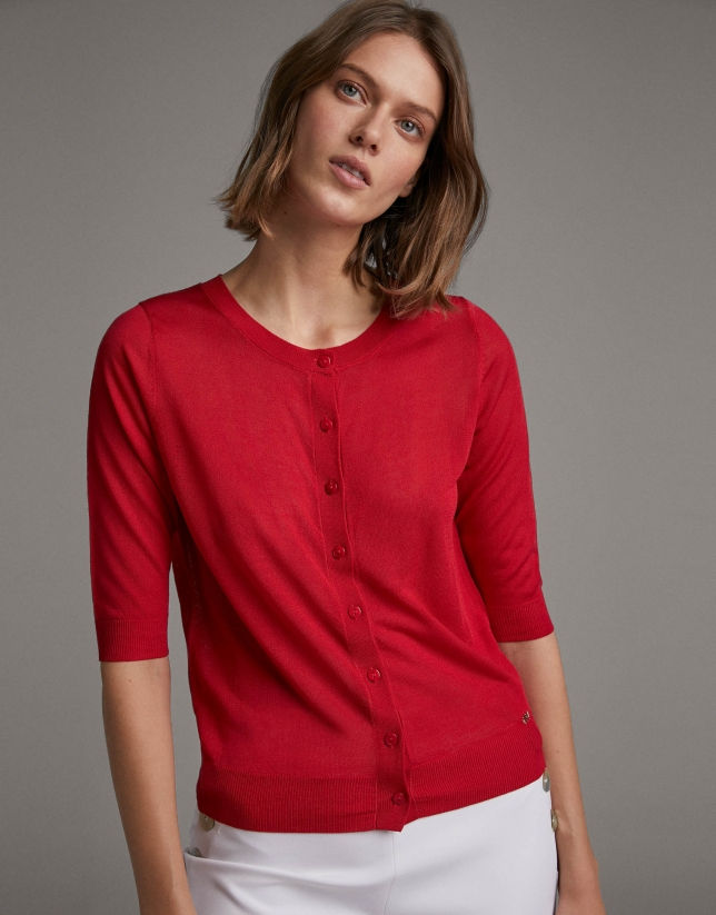 Red fine knit jacket with elbow-length sleeves