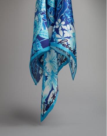 Pañuelo seda azul estampado floral azules