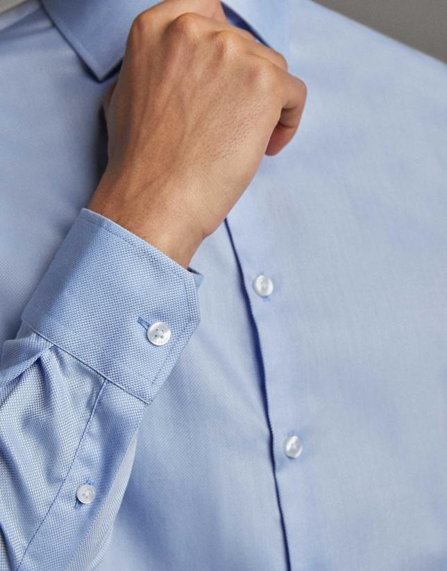 Camisa vestir estructura falso liso celeste