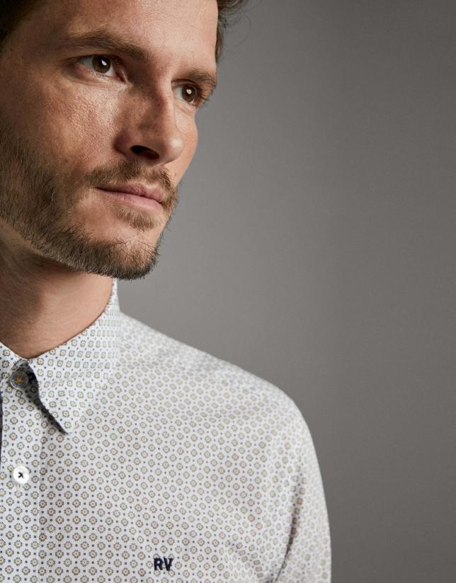 Camisa sport estampado geométrico amarillo