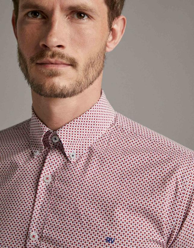 Camisa sport estampado topos rojos/azul