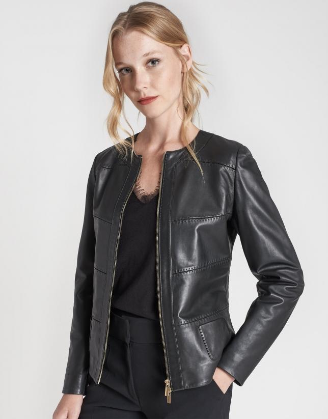 Short black leather jacket with plongé finish
