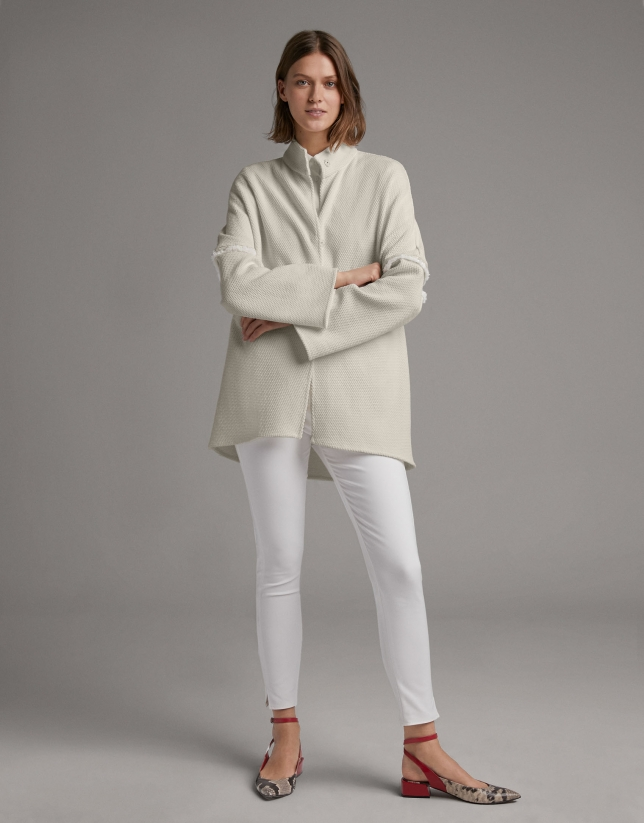 Short white trench coat
