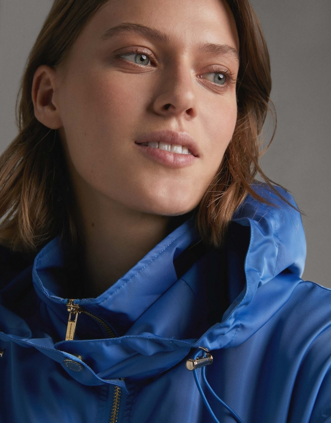 Light fabric blue parka with detachable hood