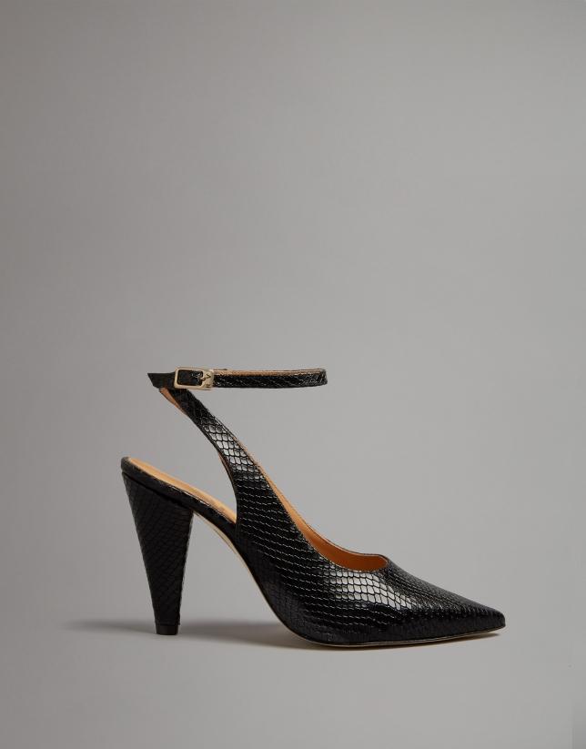 Zapato tacón piel grabado serpiente negra