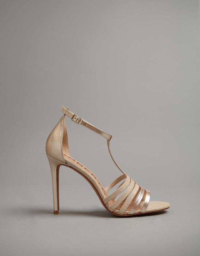 Sandales à talon en cuir doré