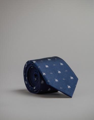 Cravate bleue imprimée de voiliers
