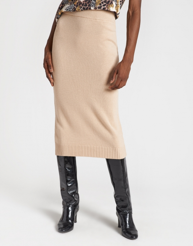 Falda de punto beige