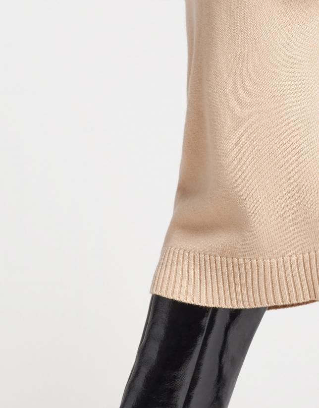 Beige knit skirt