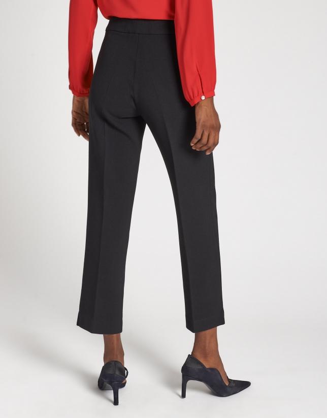 Pantalón tobillero recto negro