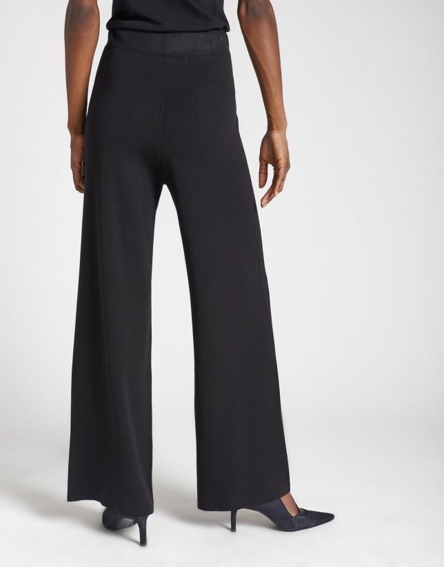 Pantalón ancho punto negro