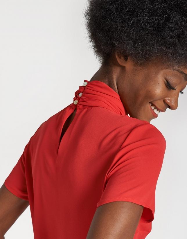 Top cuello subido rojo