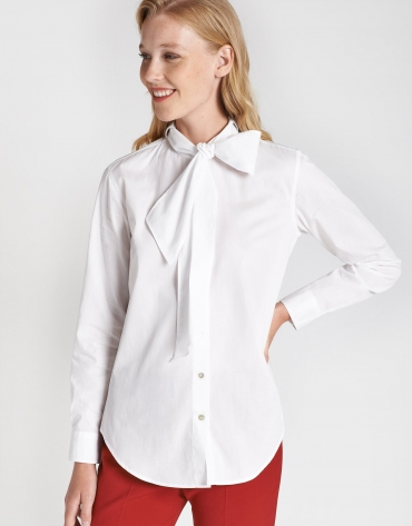 Shirt with white bow
