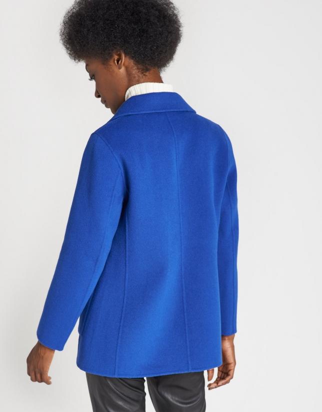 Abrigo de lana corto azulón