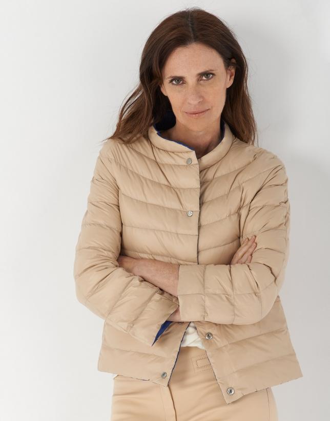 Beige and bluereversible short ski jacket