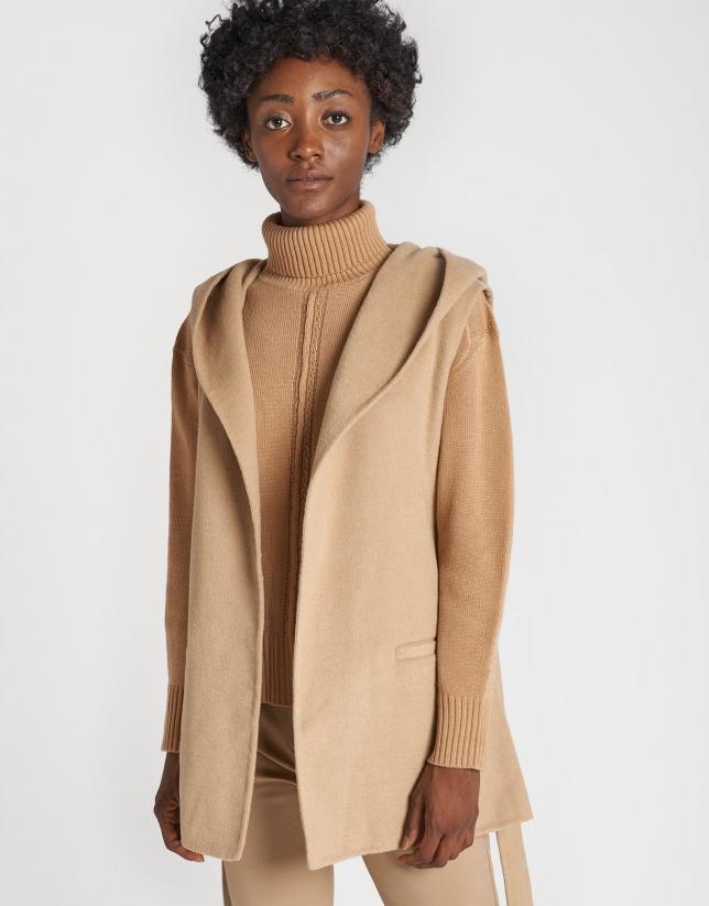 Beige quilted coat with vest inside