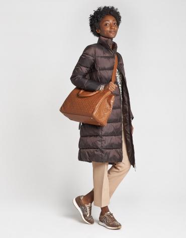 Abrigo acolchado largo marrón