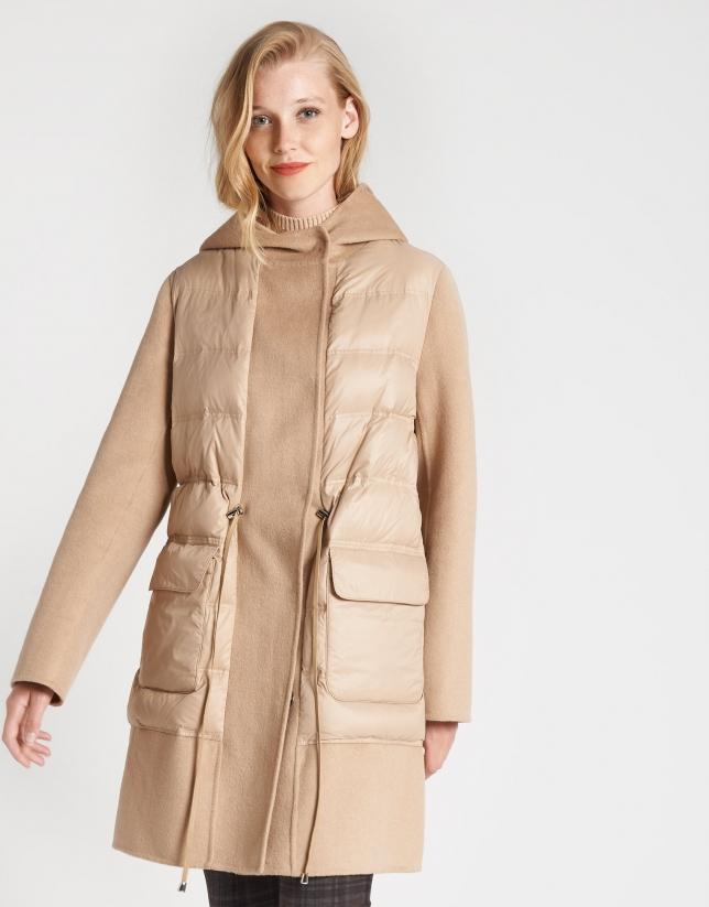 Abrigo combinado con acolchado y lana beige